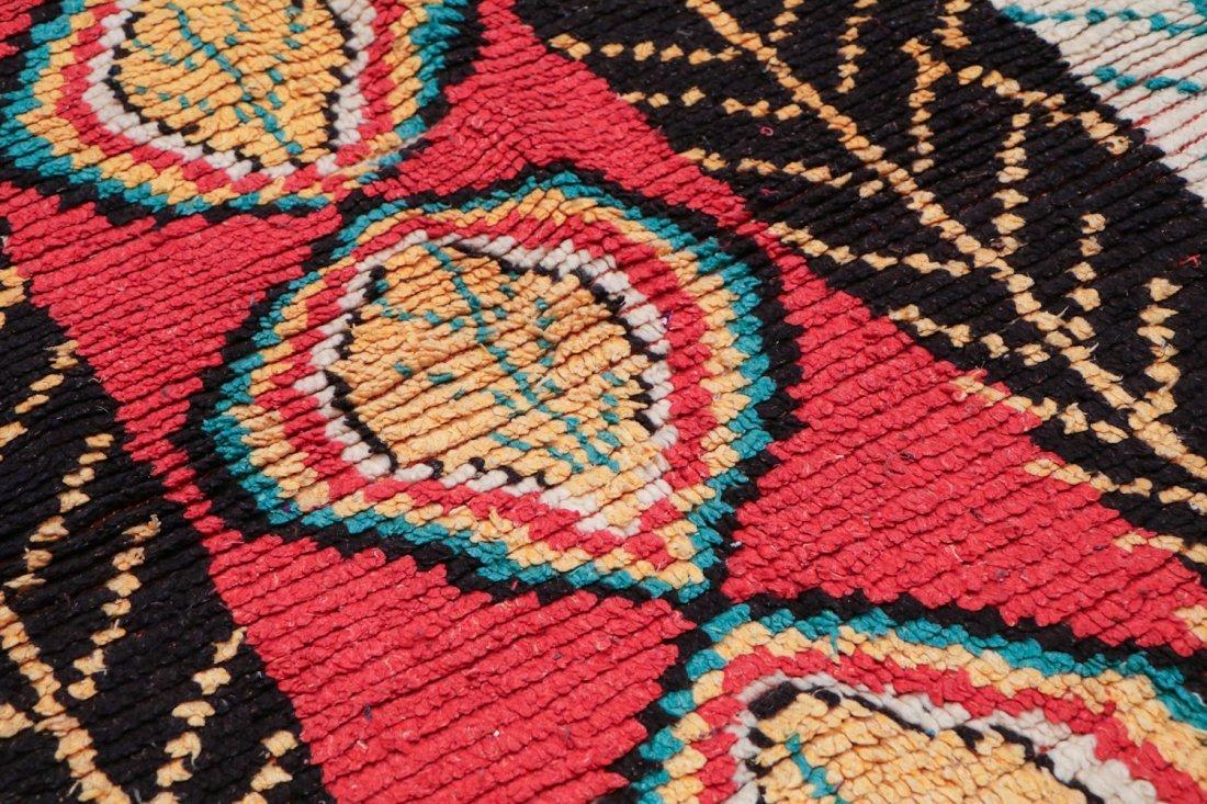 Vintage Moroccan Rug: 4'0'' x 8'0'' (122 x 244 cm) - 3
