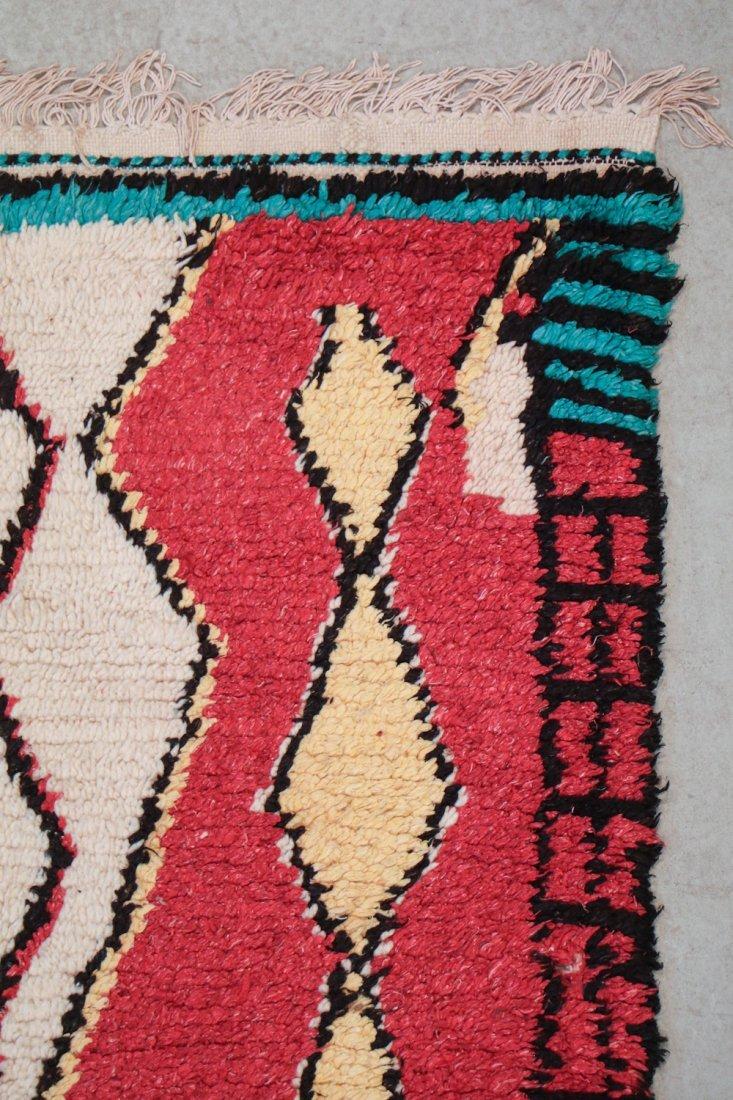 Vintage Moroccan Rug: 4'4'' x 6'10'' (132 x 208 cm) - 2