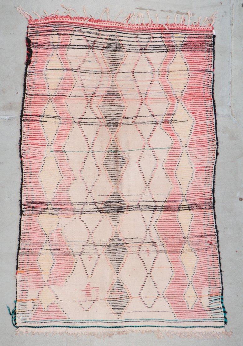 Vintage Moroccan Rug: 4'4'' x 6'10'' (132 x 208 cm) - 6