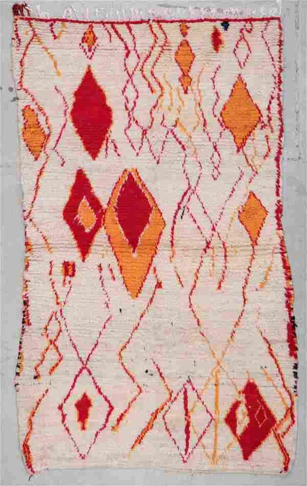 Vintage Moroccan Rug: 4'1'' x 7'0'' (124 x 213 cm)