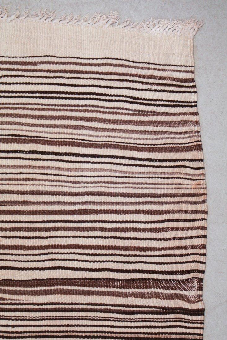 Vintage Moroccan Kilim: 4'10'' x 6'11'' (147 x 211 cm) - 2