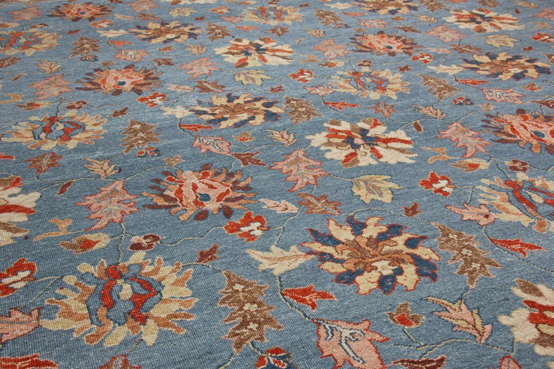 Vintage Sumak Floral Rug: 8'9'' x 11'6'' (267 x 351 cm) - 3