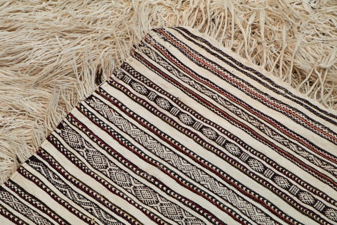 Antique Moroccan Rug: 6'6'' x 2'10'' (198 x 86 cm) - 4