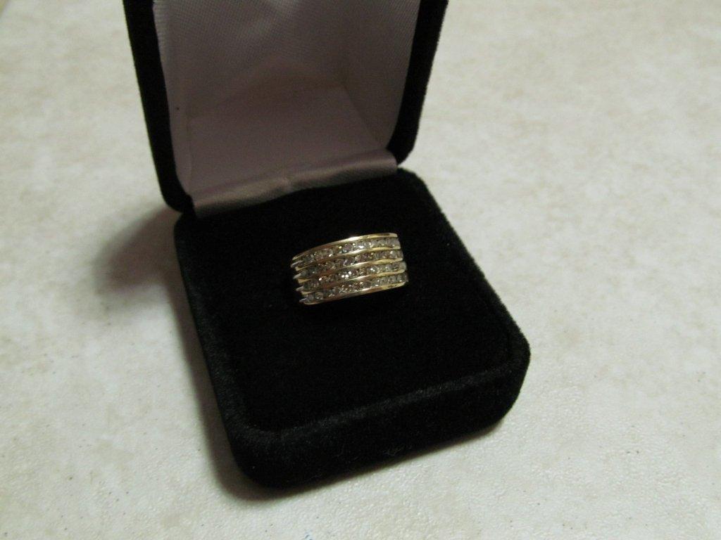 3D: Lady's Diamond Anniversary Ring