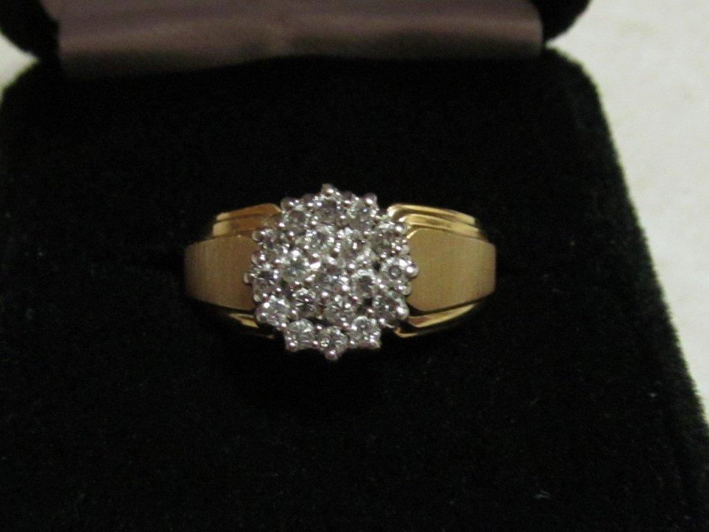 5D: Lady's Diamond Ring - 2