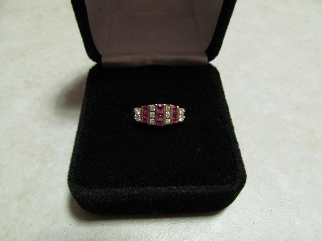 16D: Lady's Gemstone Fashion Ring