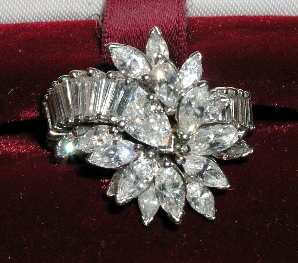 18A: 14.8gram Ladies Platinum and Diamond Cocktail Ring