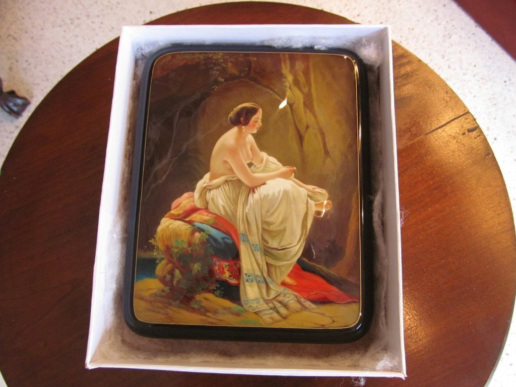 18C: Russian Nude Lacquer Box