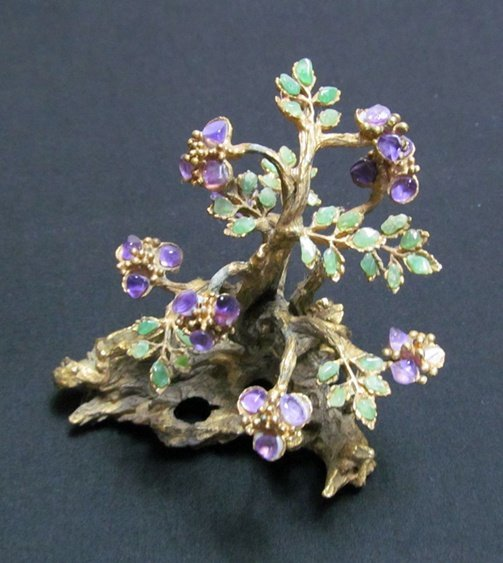 2B: Gold Tone Vintage Tree with jewels