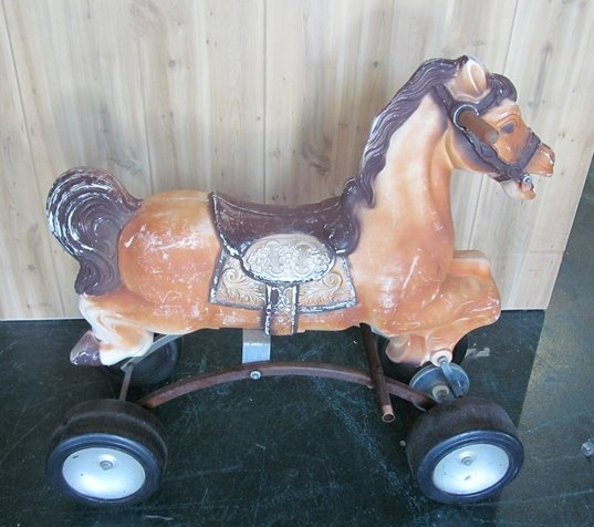 78: 1971 Empire Plastic Horse Toy Made in the USA - 2