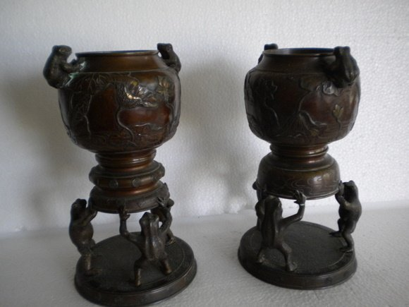 194: Pair of Two-Piece Late 19th Century Bronze Frog In