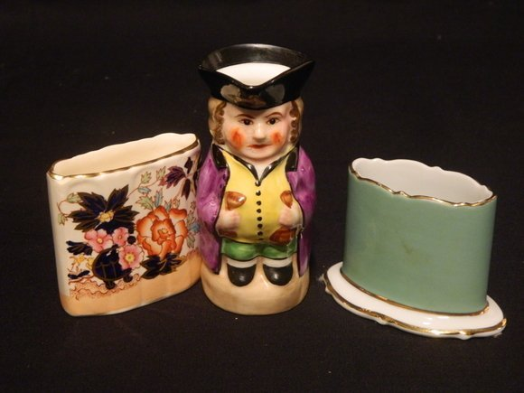 5: Set of Two Flower Vases and a Cup