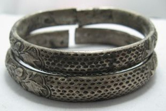4: A Pair of Old Silver Bangles or Bracelets, Qing Dyna
