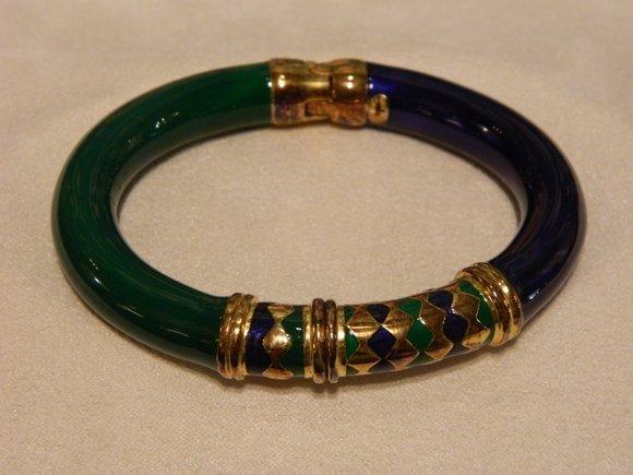 9: 18K Gold Plated Sterling Bangel Bracelet in Vermeil