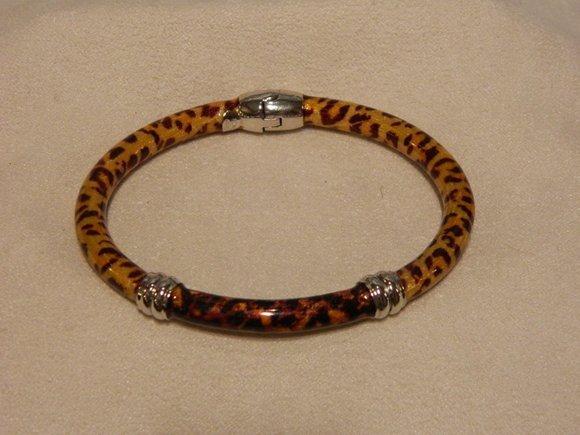 16: Silver Enamel Bracelet