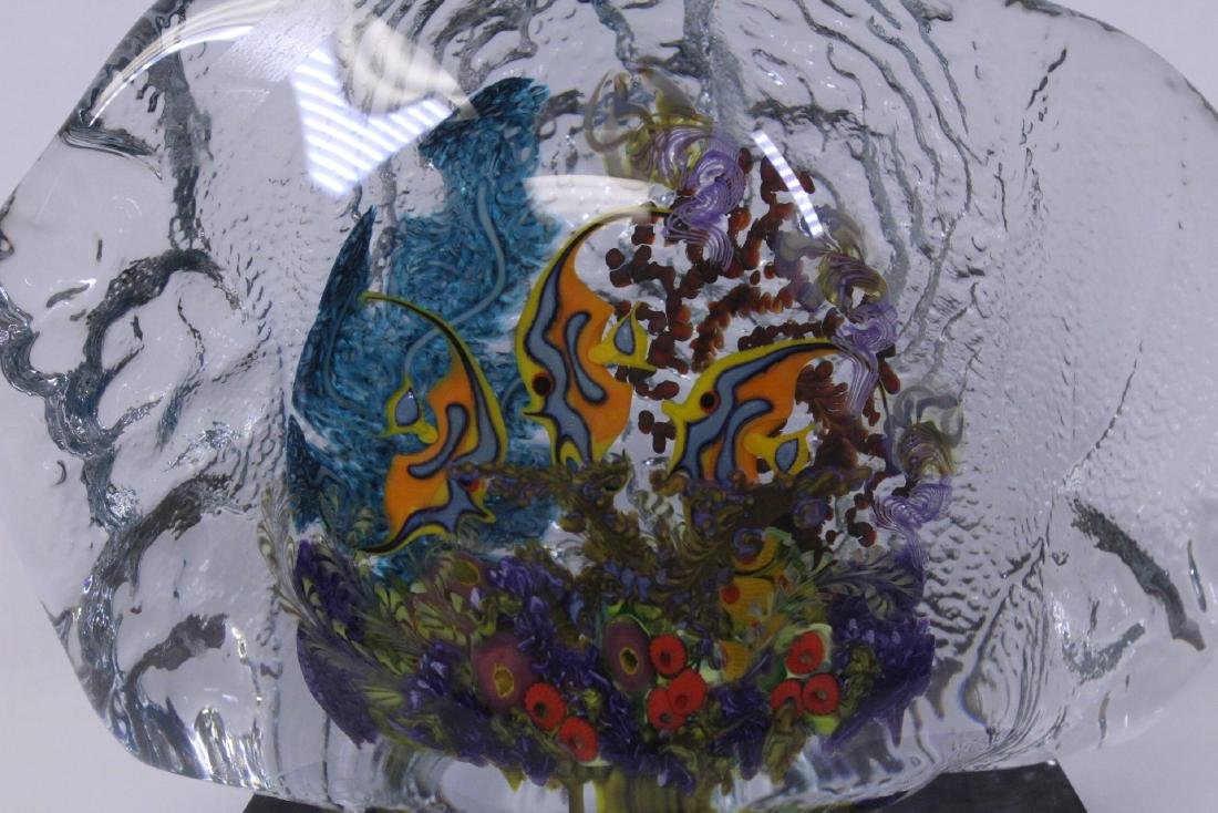 Murano glass boulder decorated with fish inside - 3