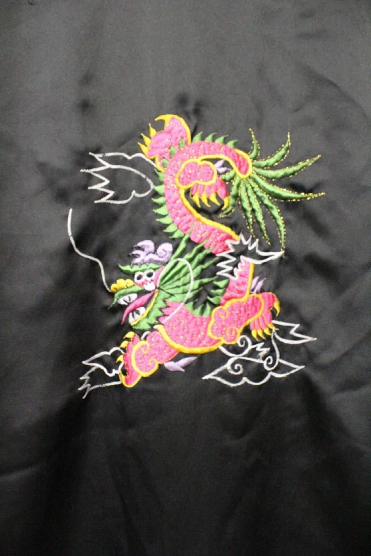 2 Chinese embroidery silk robes - 10