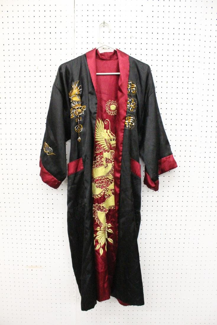 2 Chinese embroidery silk robes - 3