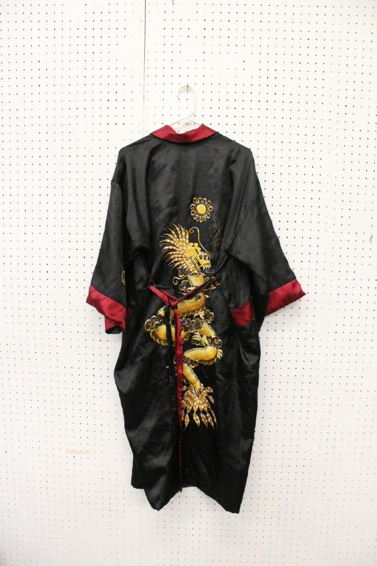 2 Chinese embroidery silk robes - 4