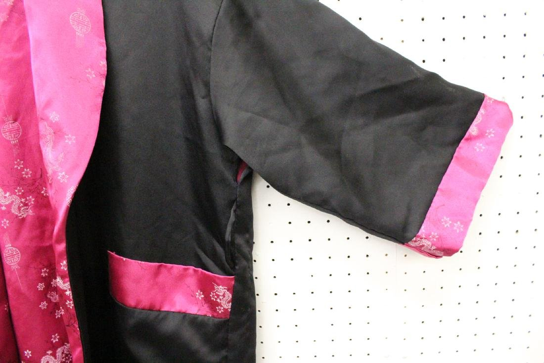 2 Chinese embroidery silk robes - 8