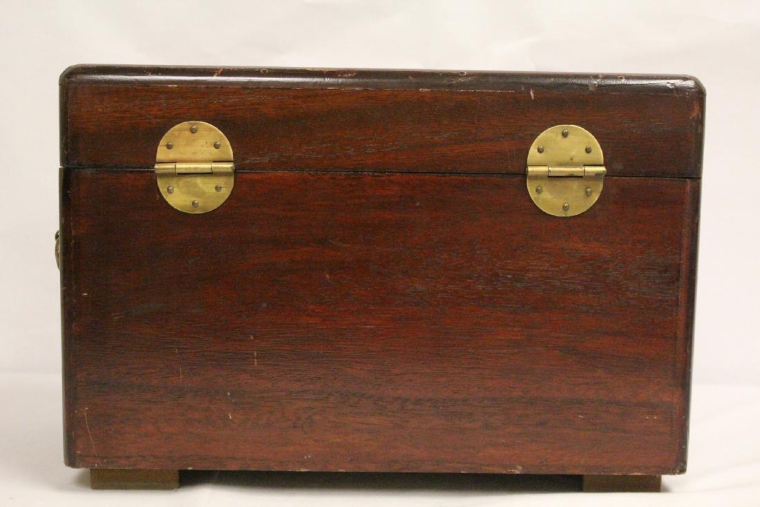 Chinese antique storage box - 4