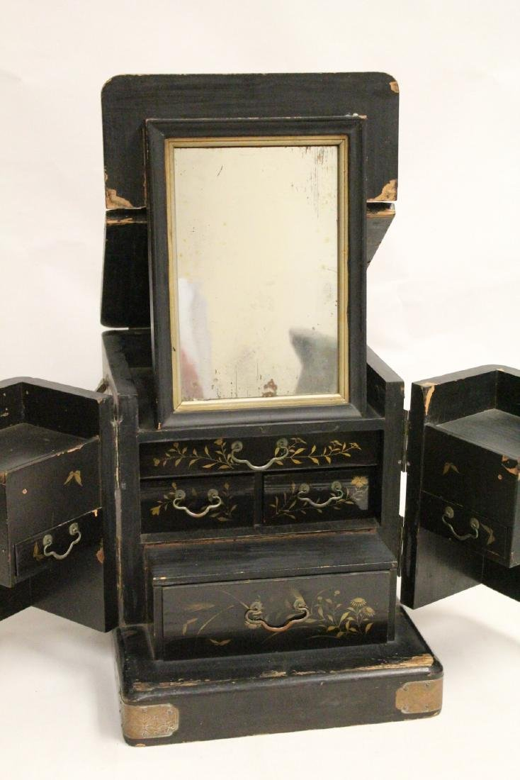Japanese 19th c. lacquer lady's dressing box - 3
