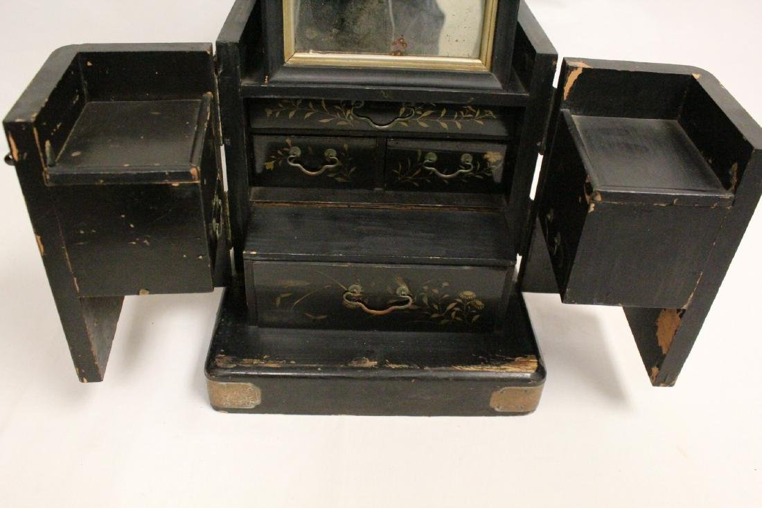 Japanese 19th c. lacquer lady's dressing box - 6