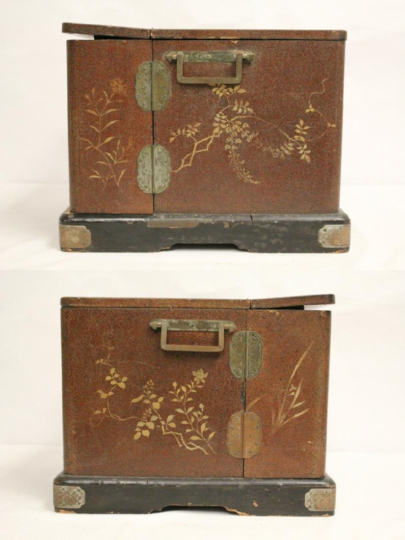 Japanese 19th c. lacquer lady's dressing box - 9