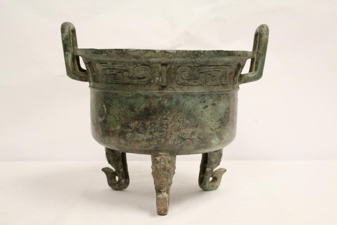 A large Chinese archaic style bronze tripod ding - 2