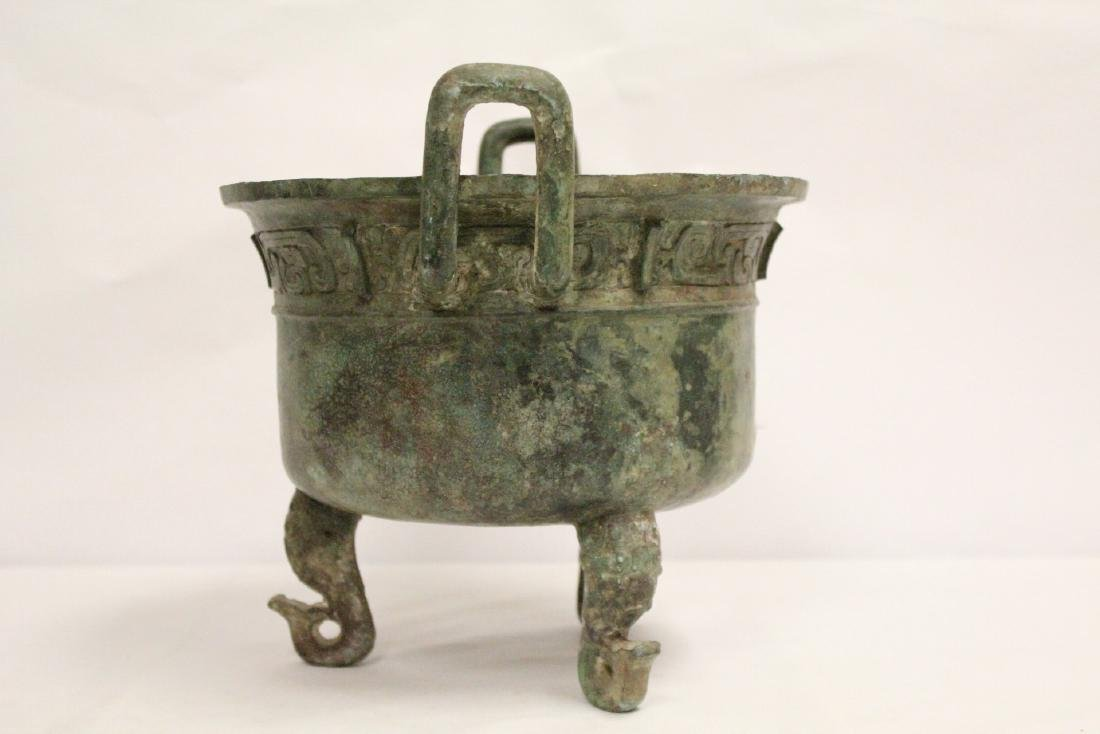 A large Chinese archaic style bronze tripod ding - 3