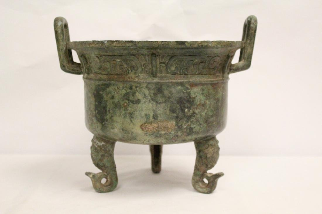A large Chinese archaic style bronze tripod ding - 4