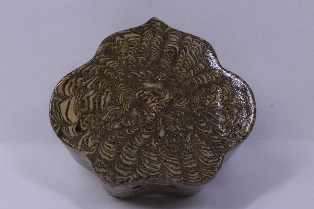 Marbled glazed porcelain ornament - 7