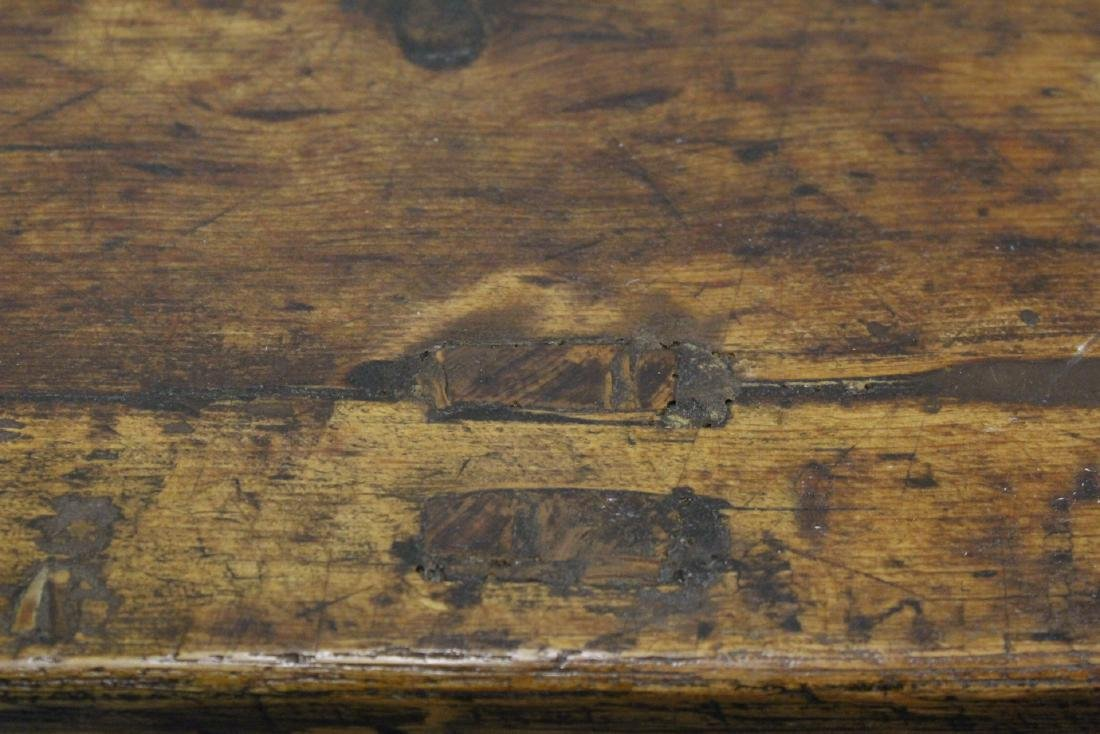 18th/19th century Chinese wood low table - 9