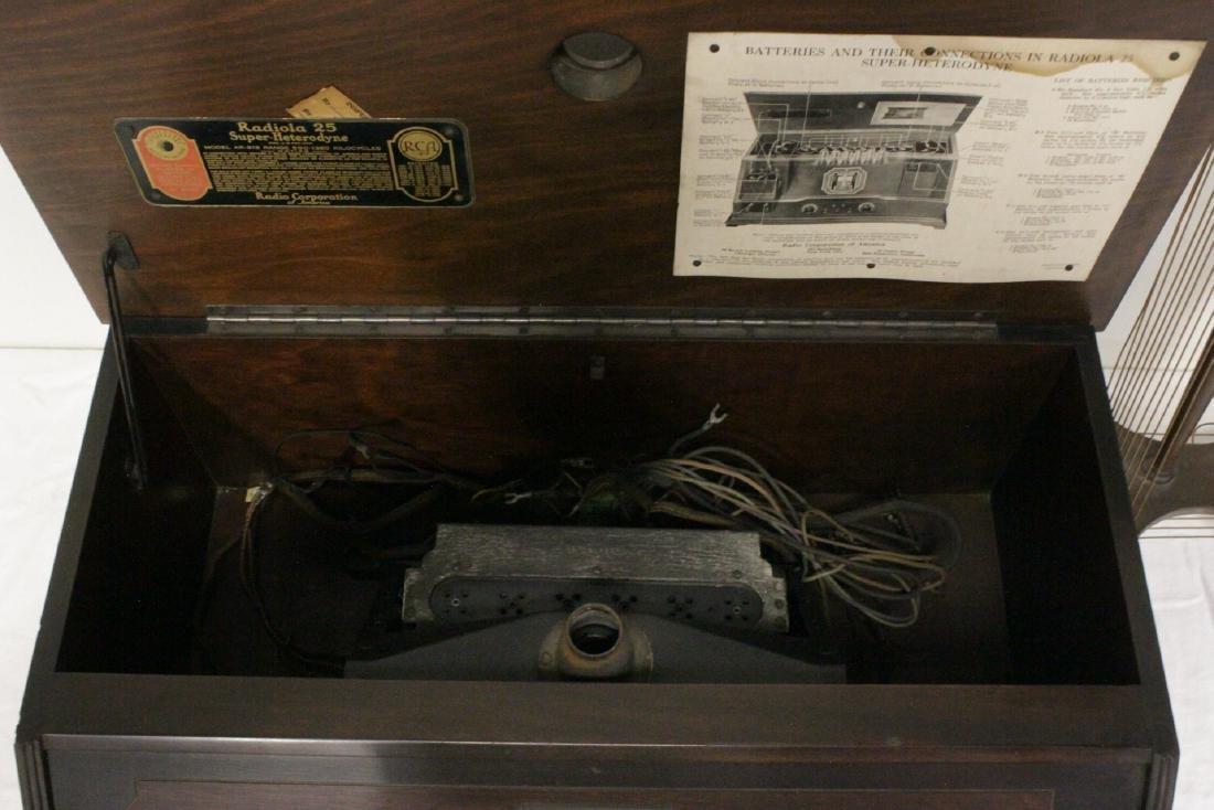 Vintage RCA Radiola 25 radio with loop antenna - 6