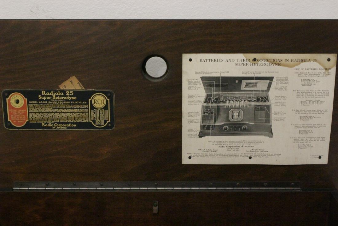 Vintage RCA Radiola 25 radio with loop antenna - 7