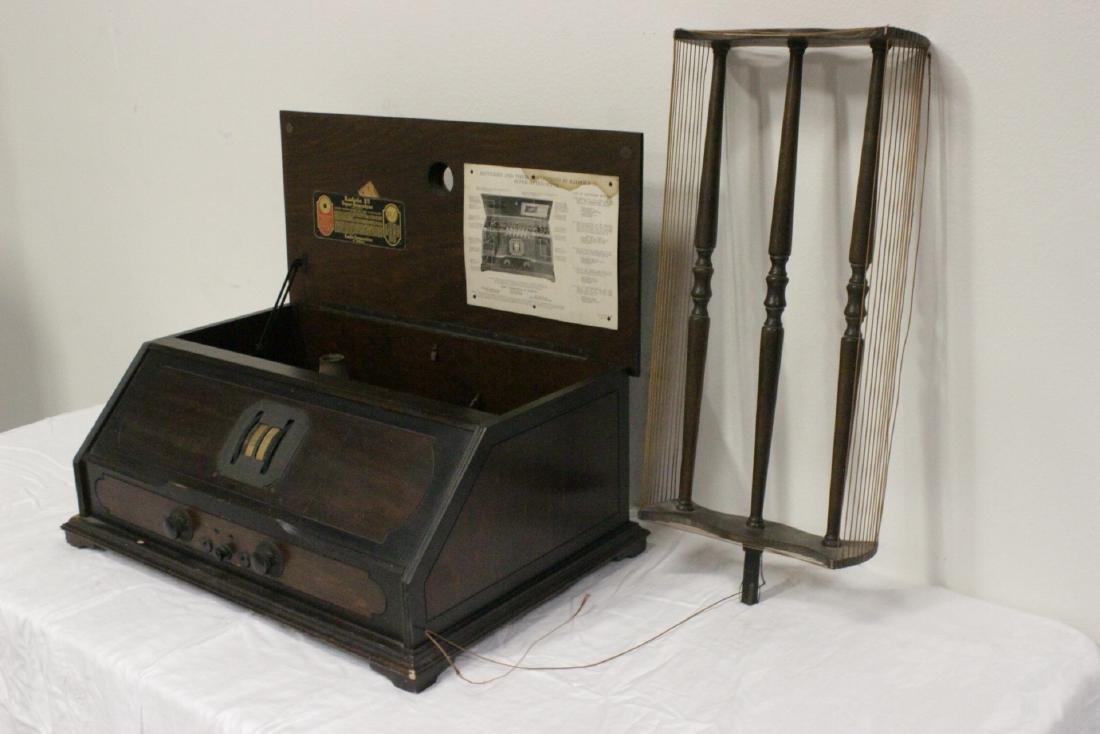 Vintage RCA Radiola 25 radio with loop antenna - 8
