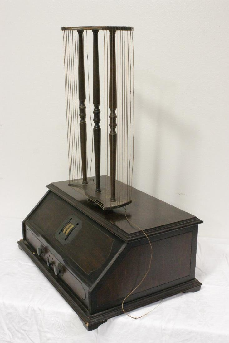 Vintage RCA Radiola 25 radio with loop antenna - 9