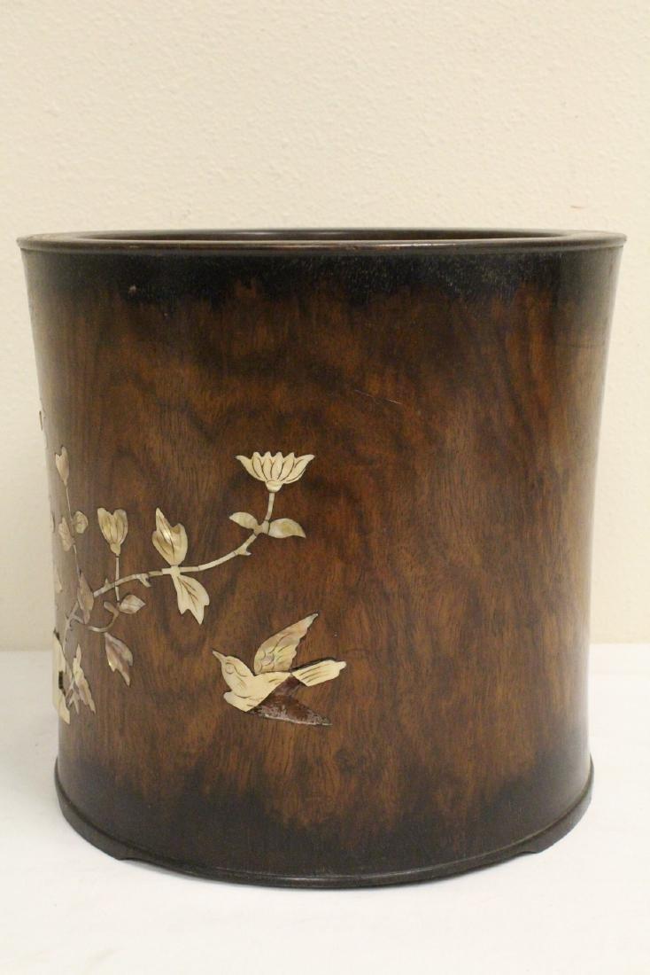 Large Chinese rosewood brush holder - 2