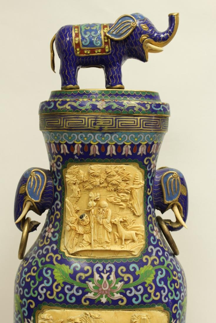 A large Chinese cloisonne vase with bone plaque - 4