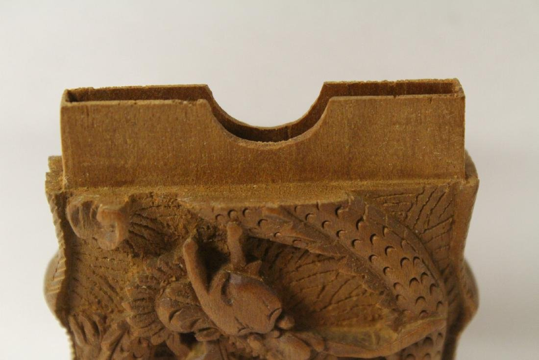 Chinese 19th/20th century wood carved box - 8