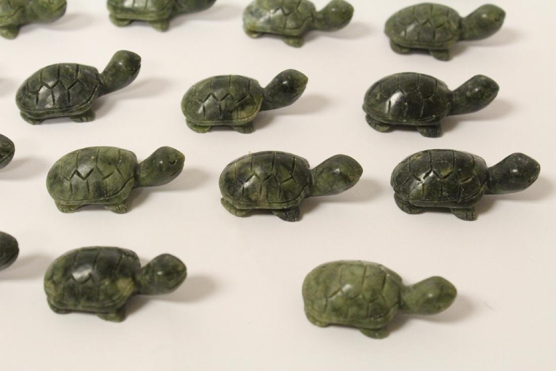Large collection of jade carved ornaments - 9