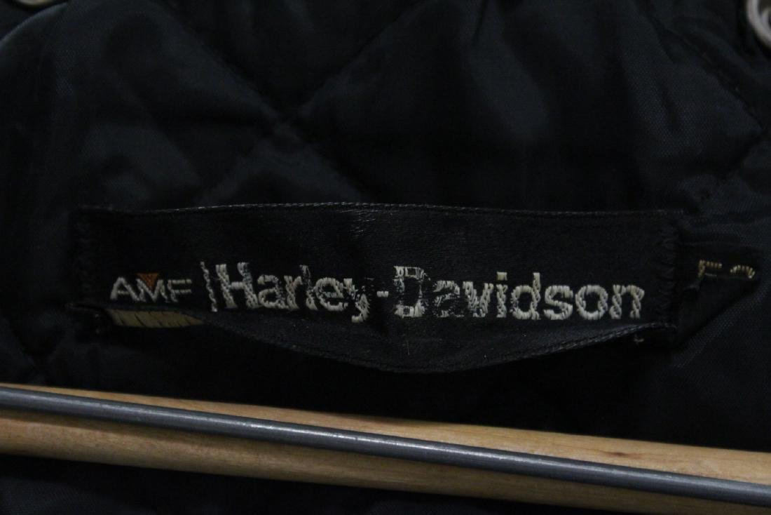 An early Harley Davidson leather jacket with belt - 10