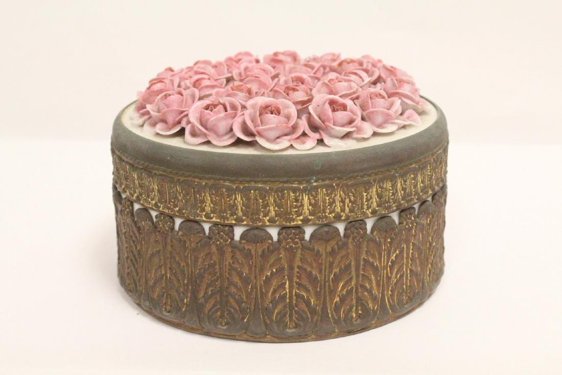European porcelain box with metal ormolu - 3
