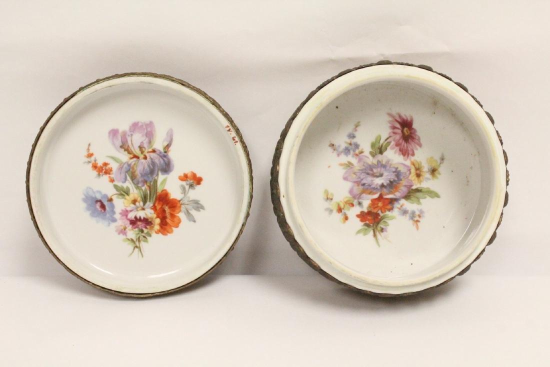 European porcelain box with metal ormolu - 5