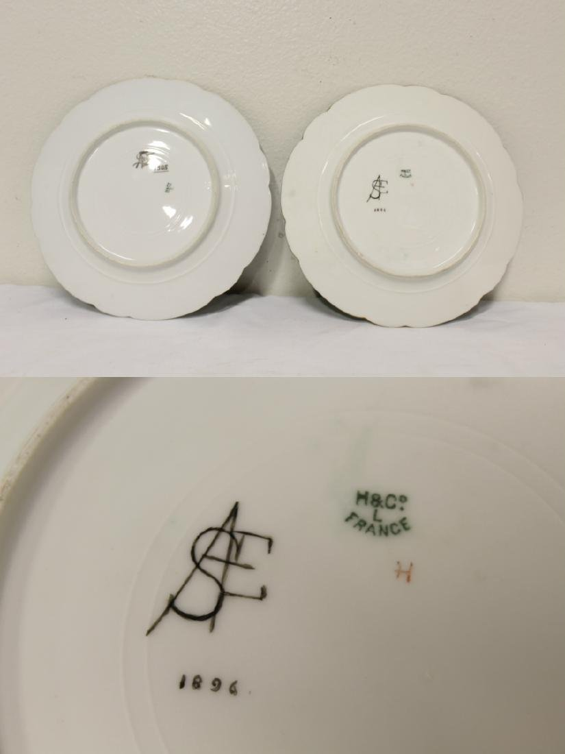 2 French porcelain plates painted with family crest - 10