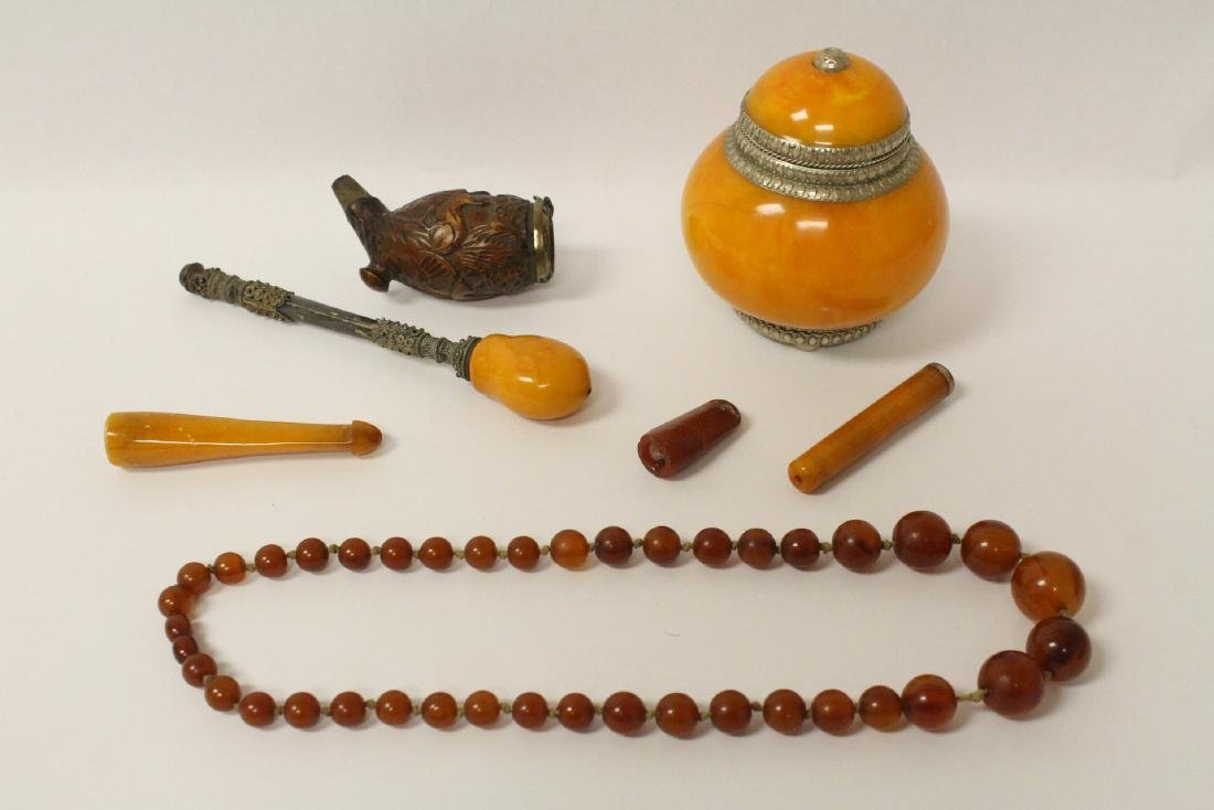 Lot of amber like items