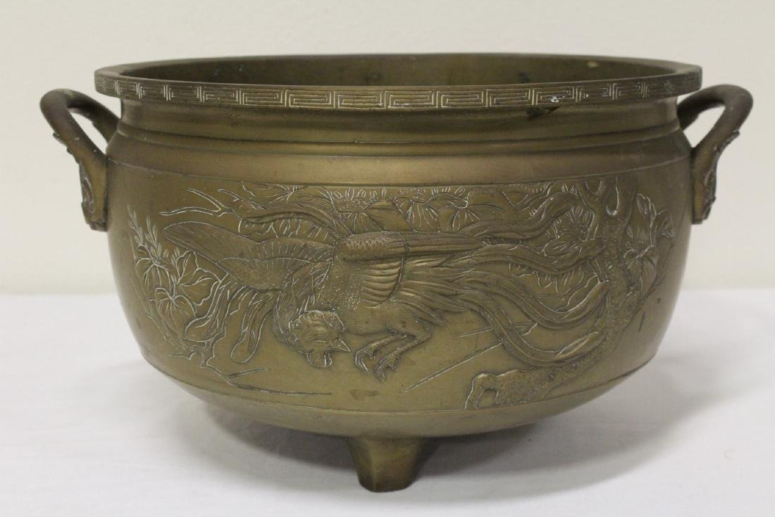 A large Chinese bronze antique temple censer - 2