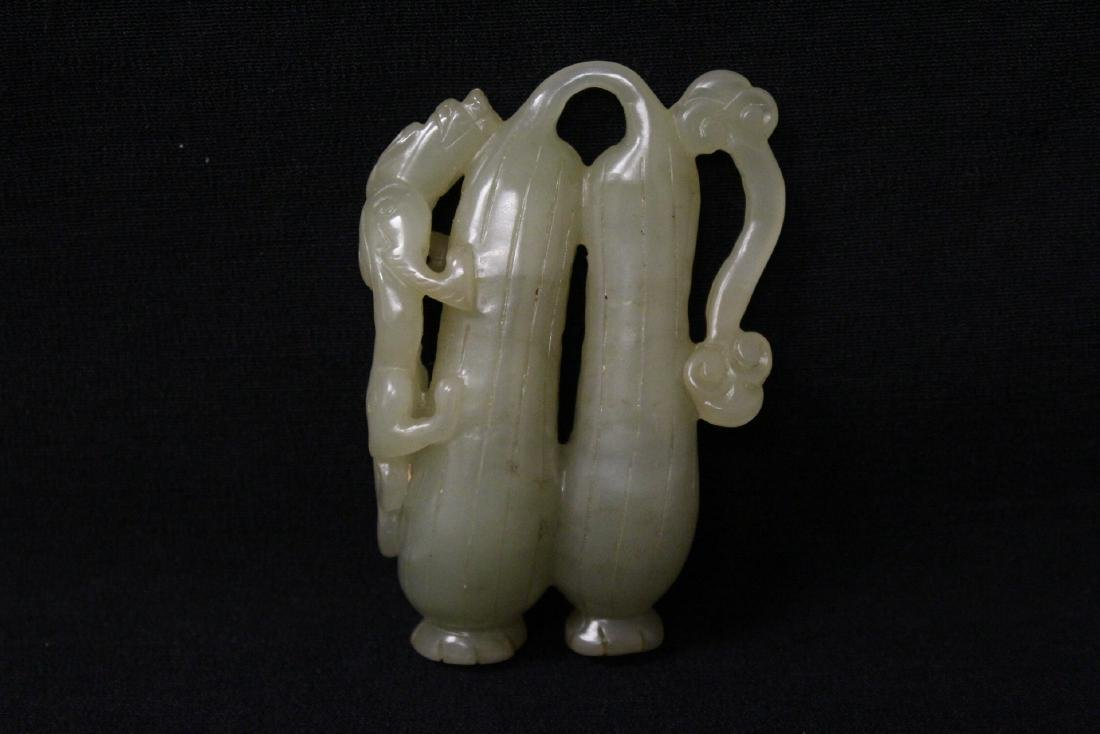 Chinese jade carved ornament in fruit motif - 3
