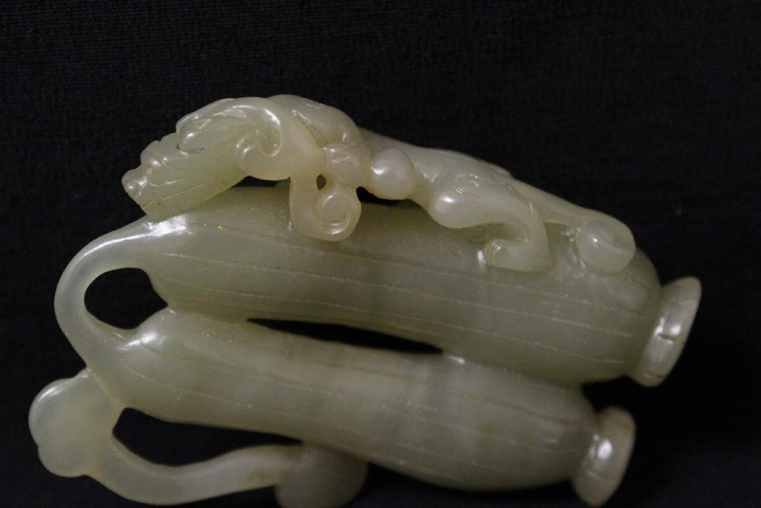 Chinese jade carved ornament in fruit motif - 6