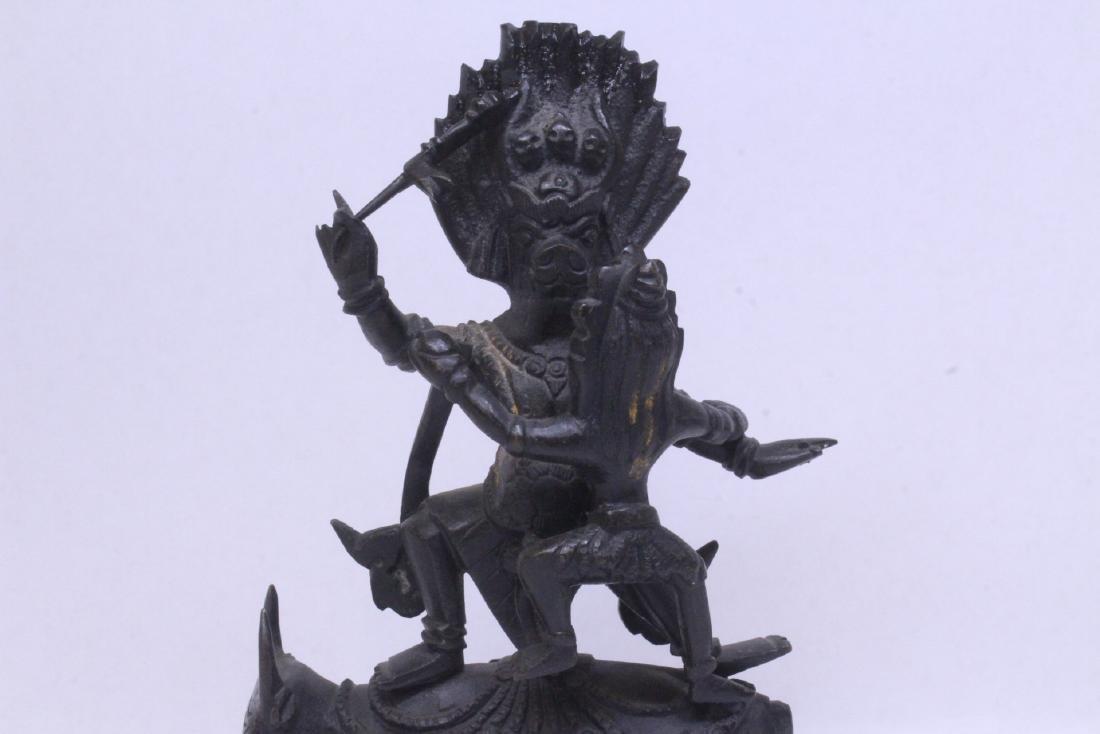 A very heavy Tibetan bronze sculpture - 3